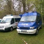 Fahrzeuge DRK und THW